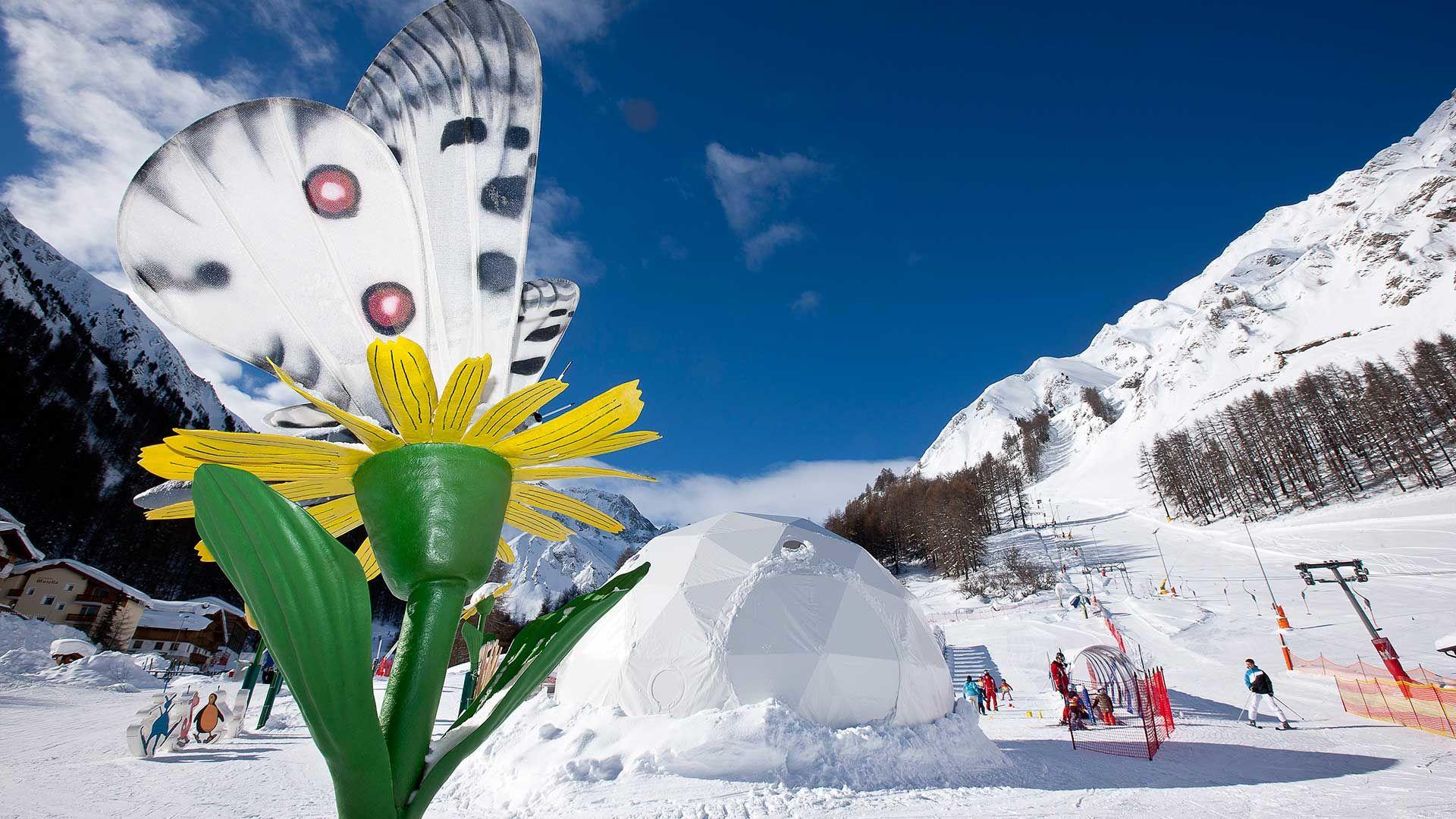"Kinderland ""WinterBlumenTraum"" in Samnaun Foto Andrea Badrutt, Chur"