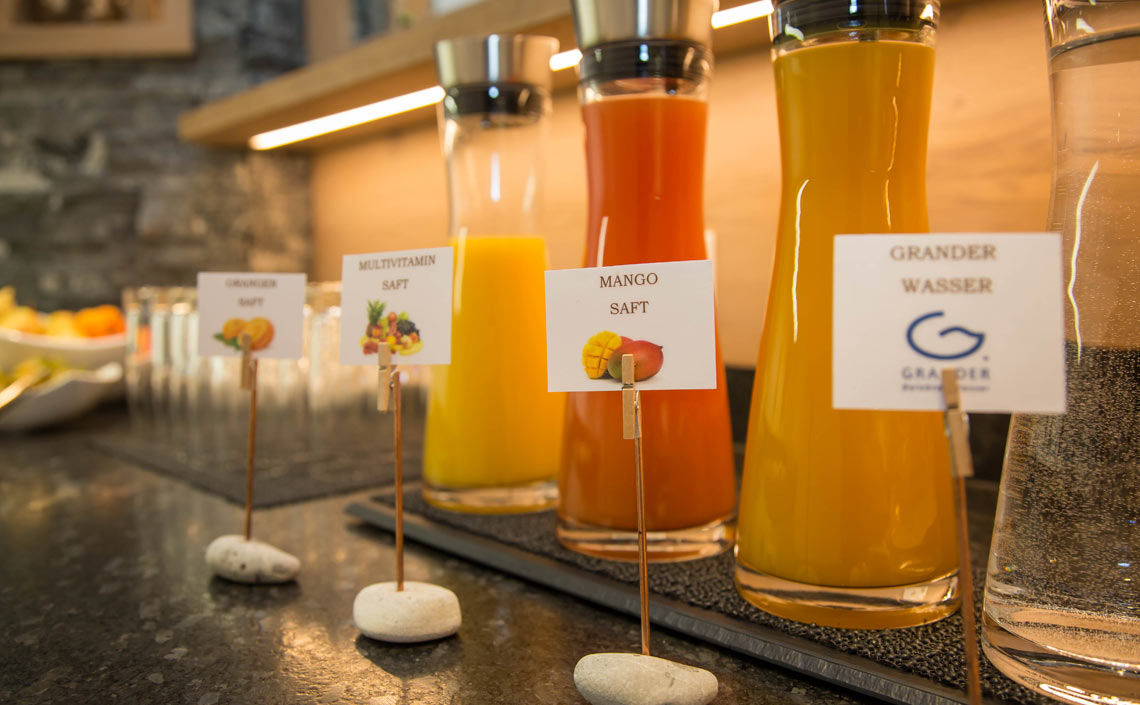 Fruit juices, grander water